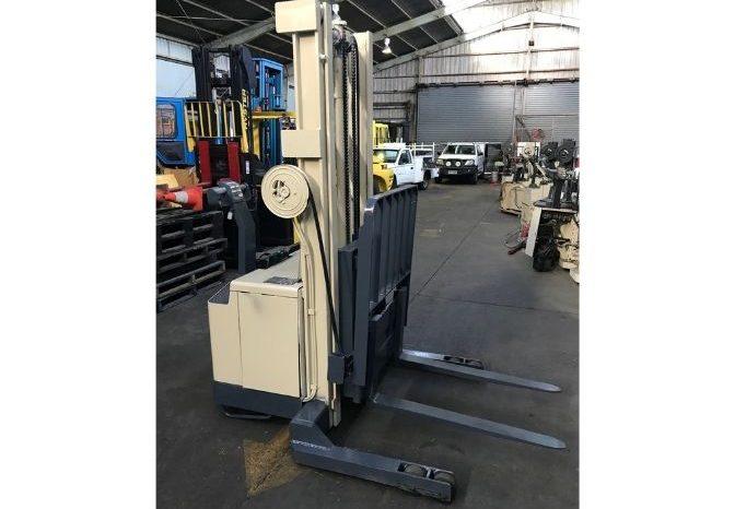 Crown 30WRTL150 Walkie-Reach 1.5T (3.8m Lift) Electric full